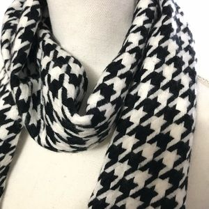 Black and White Soft Checkered Scarf